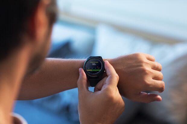 ASUS, yeni akıllı sağlık takip cihazı VivoWatch SP'yi duyurdu