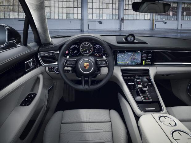 Porsche Panamera ailesini 700 PS güce ulaşabilen modellerle genişletiyor