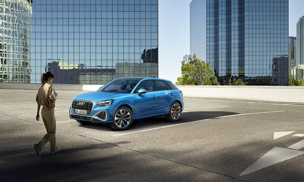 Yenilenen Audi Q2 showroom'larda yerini aldı