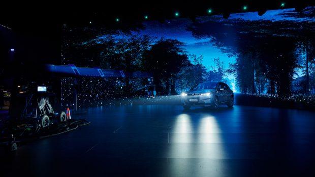 """BMW iX'in Dijital Lansmanına  """"iF Design Gold Award 2021"""" Ödülü!"""